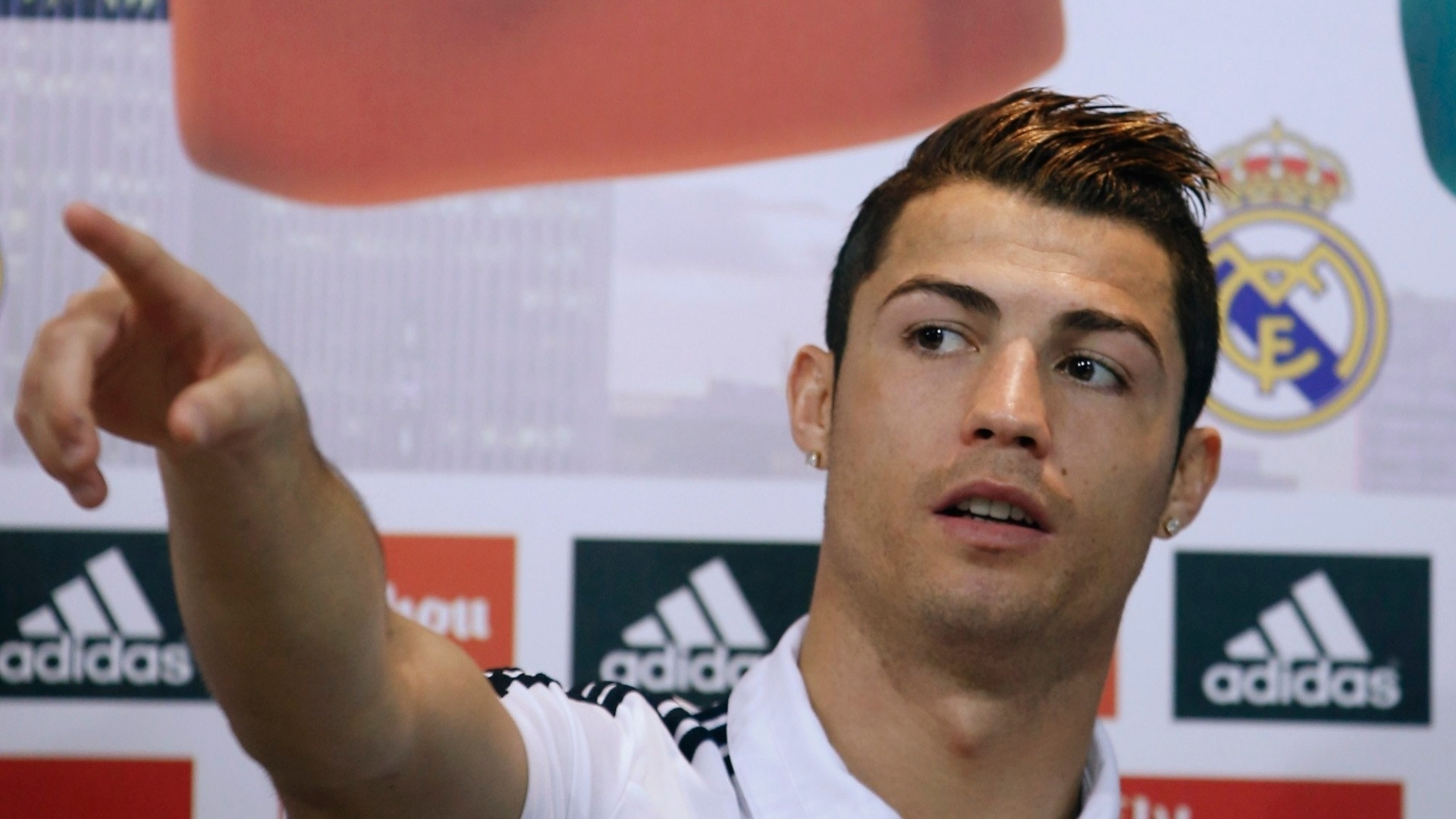 Cristiano Ronaldo New Hairstyles Hd Wallpapers Updated 2020