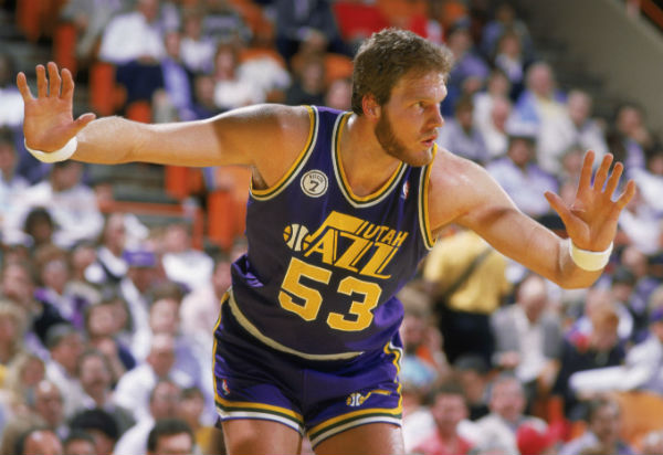 Top 10 All Time Tallest NBA Players [Updated 2019] - sportsshow net