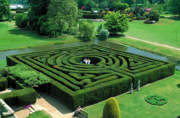 The Amazing Holiday Maze